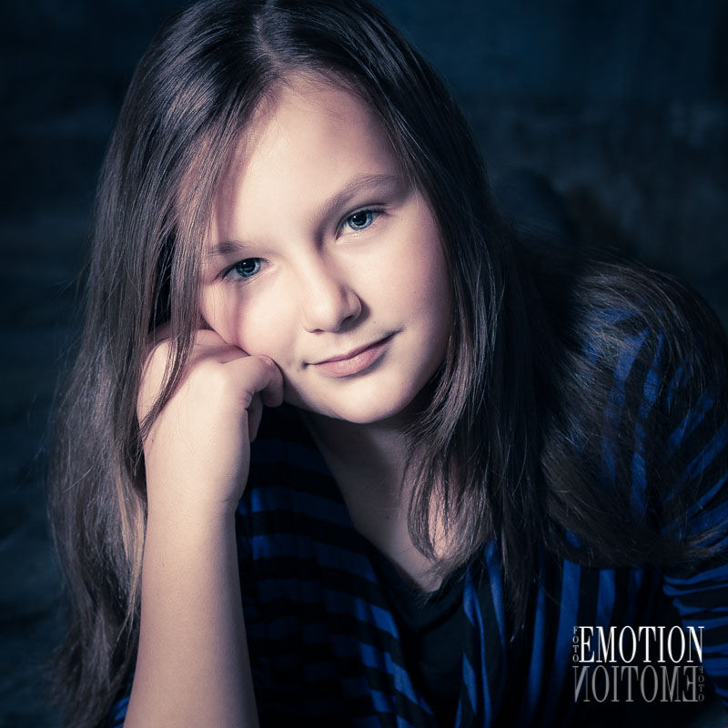 fotografování portrétú v ateliéru Praha od profesionálního fotografa, který má zkušenosti s focením dětí a rodin.
